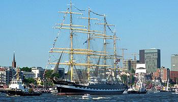 Großsegler zählen zu den Attraktionen des Hafengeburtstag Hamburg © Melanie Kiel