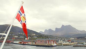 Die MS Midnatsol nimmt Kurs auf Tromsö © Brigitte Bonder