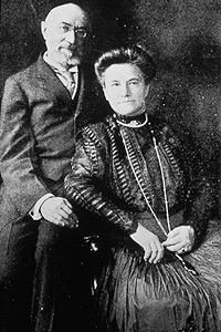 Isidor Straus, US-amerikanischer Geschäftsmann und Politiker, war mit seiner Frau Ida bei der Jungfernfahrt der Titanic ebenfalls an Bord. Straus stammte gebürtig aus Otterberg bei Kaiserslautern © Premier Exhibitions, Inc.