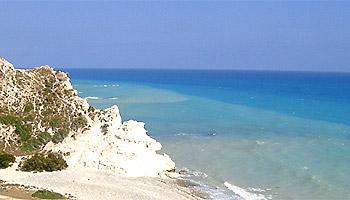 Weite Strände und türkisblaues Meer säumen die Götterinsel Zypern © Strowa/pixelio.de