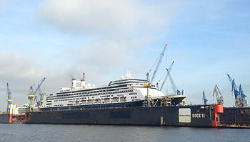 Die MS Rotterdam der Holland America Line im Dock 11 bei Blohm + Voss  © Melanie Kiel