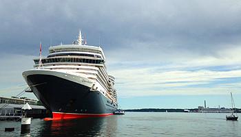 Die Queen Elizabeth von Cunard © Melanie Kiel