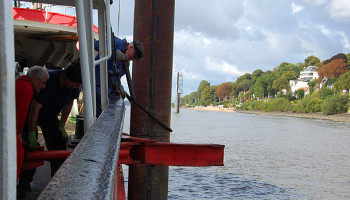 Ablegemanöver des Feuerschiff Elbe 3 © Melanie Kiel