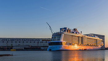 Emsüberführung Ovation of the Seas © Meyer Werft