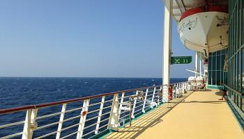 Das Promenadendeck auf Deck 4 © Melanie Kiel / Komm auf Kreuzfahrt