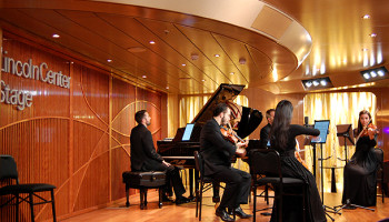 In der Lincoln Center Stage wird täglich Musik aller Art geboten © Melanie Kiel