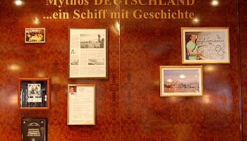 Die historische Ecke auf der MS Deutschland im Salon Lili Marlen © Melanie Kiel