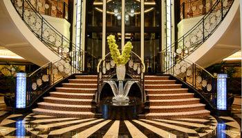 Herzstück der Marina ist das Atrium auf Deck 5 und 6 © Melanie Kiel
