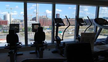 Auch Fitnesscenter und Aerobicraum befinden sich auf Deck 14 © Melanie Kiel