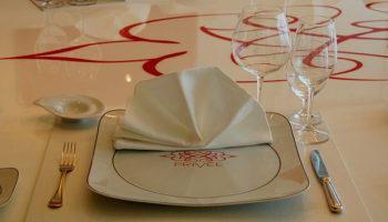 Im Privèe werden Menüs aus den Restaurants Polo Grill und Toscana serviert © Melanie Kiel