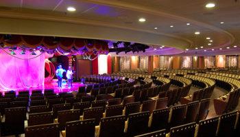 Die Lounge - das Theater der Marina - auf Deck 5 © Melanie Kiel