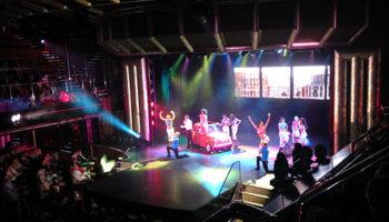 Musicalshow im Teatro Hortensia, dem Theater über 3 Decks © Melanie Kiel