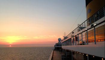 die Costa Favolosa im Sonnenuntergang © Melanie Kiel