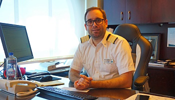 Mario Tavares, Hoteldirektor der Celebrity Constellation © Jörn Rollfinke
