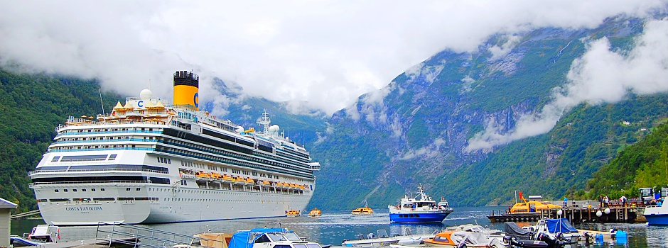 Toller Anblick - die Costa Favolosa im Geirangerfjord © Melanie Kiel
