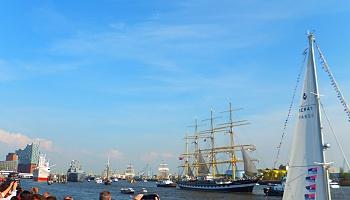 Die Kruzenshtern beim 828. Hafengeburtstag Hamburg. Die russische Viermastbark ist als einziger der Flying P-Liner noch heute im Einsatz © Melanie Kiel