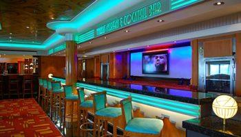 Cool und stylisch: die Mixers Martini & Cocktail Bar auf Deck 6 © Melanie Kiel