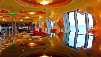 Farben, Formen, Spiegelungen - den Augen wird nicht langweilig an Bord © Melanie Kiel