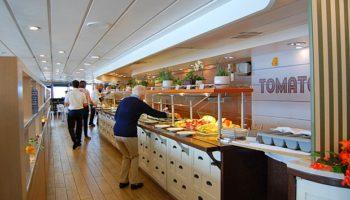 Das Büfettrestaurant Plantation Bistro am Heck auf Deck 12 bietet eine große kulinarische Auswahl © Melanie Kiel