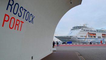Die Columbus im Hafen von Rostock-Warnemünde © Melanie Kiel