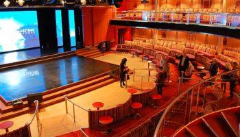 Die Palladium Show Lounge erstreckt sich über die Decks 7 und 8 © Melanie Kiel