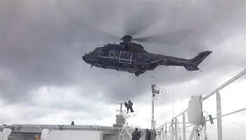 "Helikopter-Übung auf der ""Berlin"