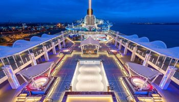 Pooldeck der World Dream © Meyer Werft