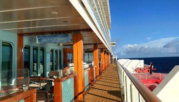 Außenbereich des Ocean Blue Restaurants an der Waterfront © Melanie Kiel
