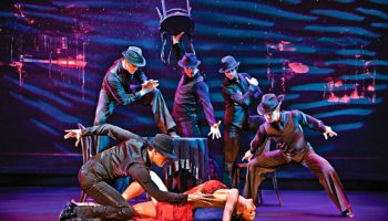 "Broadway-Musical ""Burn the Floor"" © Norwegian Cruise Line"