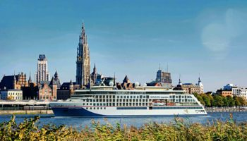 HANSEATIC inspiration wird in Antwerpen getauft © Hapag Lloyd Cruises