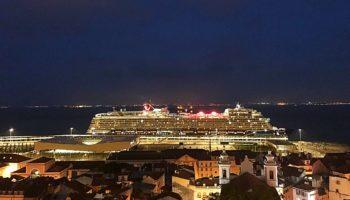 Die neue Mein Schiff von TUI Cruises im Hafen von Lissabon © Melanie Kiel