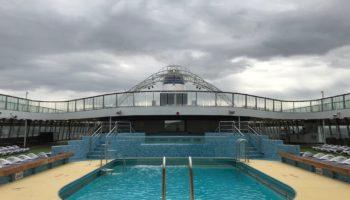 Pool auf Deck 12 - dem Lido Deck © Melanie Kiel