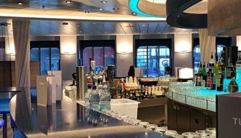 Die neue Mein Schiff 2 von TUI Cruises in Hamburg © Melanie Kiel
