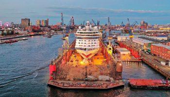 AIDALuna im Dock 11 der Werft Blohm + Voss © AIDA Cruises