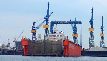 Die Bremen von Hapag-Lloyd Cruises im Dock bei Blohm + Voss © Melanie Kiel