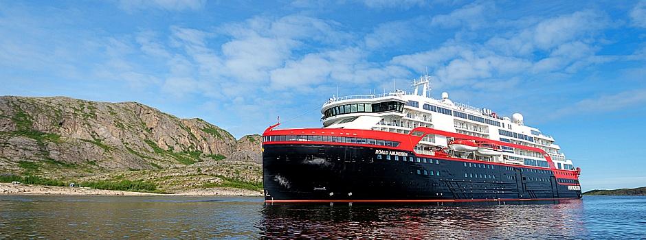 MS Roald Amundsen von Hurtigruten © Espen-Mills