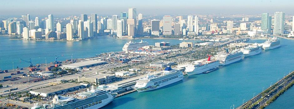 Miami wird immer beliebter: Kreuzfahrtschiffe im Port of Miami © Greater Miami Convention & Visitors Bureau (GMCVB)