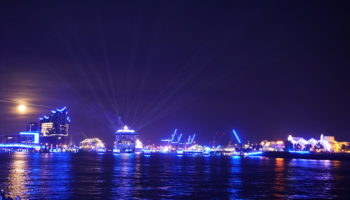"""Blue Nights"" im Hamburger Hafen"