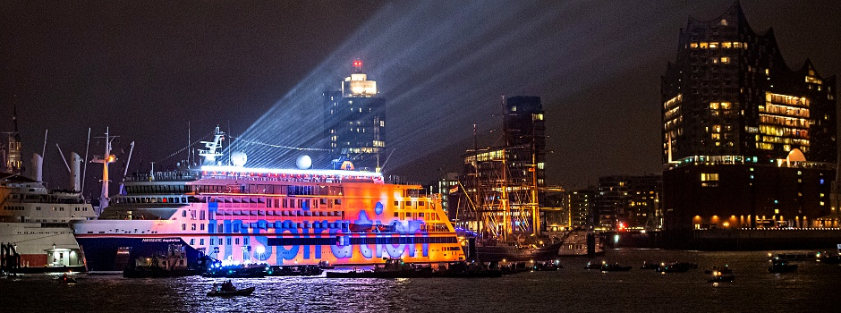 Taufe der HANSEATIC inspiration in Hamburg © Kai Swillus/Images for Hapag-Lloyd Cruises