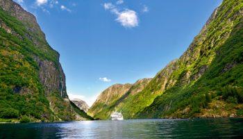 EUROPA 2 unterwegs in Norwegen © Hapag-Lloyd Cruises