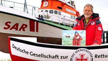 Seenotretter-Botschafter und Cartoonist Wolf-Ruediger Marunde auf dem ehemaligen Seenotrettungskreuzer ARWED EMMINGHAUS (DGzRS)