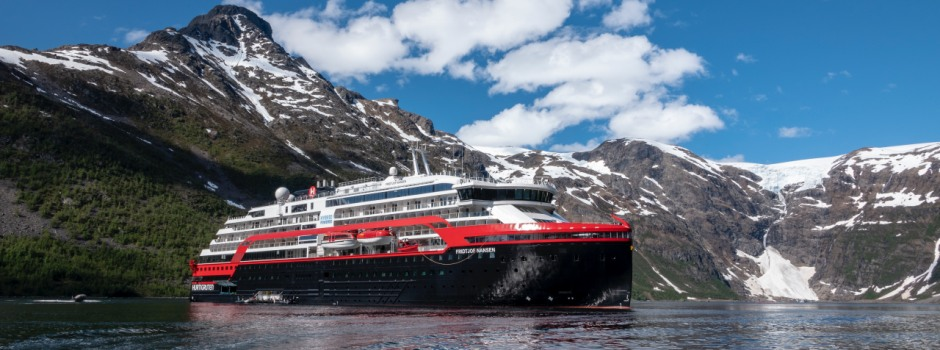 Hybrid-Expeditionsschiff MS Fridtjof Nansen © Hurtigruten